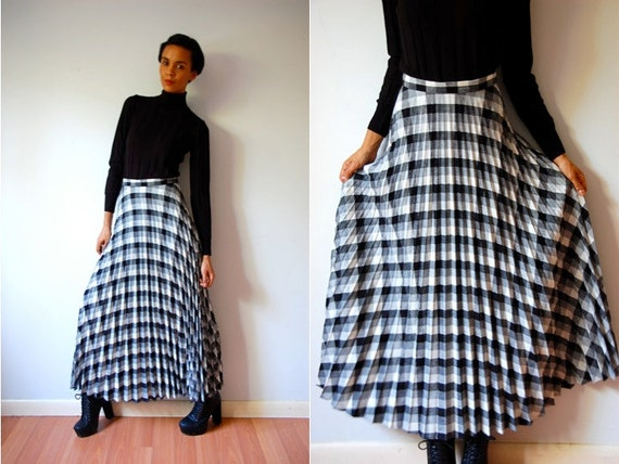 Vtg B&W Plaid High Waist Maxi Pleated Skirt