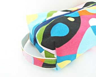 Cosmetic Bag - Makeup Bag - Lined Make up Bag - Cosmetic Pouch - Waterproof Bag - Lunch Bag - Wet Bag - Diaper Bag