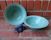 Set of 2 Turquoise Gloss Bowls with Chattered Design
