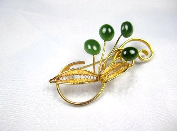 Filigree Jade Lucite Leaf Brooch 1940s Vintage Jewelry
