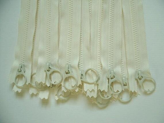 "SALE  Ykk Plastic Steel Zipper  8"" Ivory -  Special shaped zipper pulls -15Pcs"