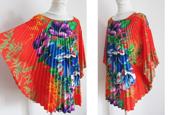 Flower Bomb Pleated Vintage Tunic from70s