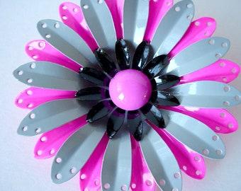Gray Black Pink Flower Brooch, Vintage Enamel Floral Brooch, Metal Daisy Brooch, Like New Never Worn