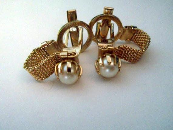 Vintage Pearl Goldtone Chain Style Cufflinks