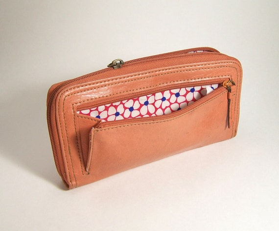 Vintage Orange Clutch Wallet, pink peach orange  mango Fall colors purse Axcess by Liz Claiborne, lots of room in this old coral wallet.