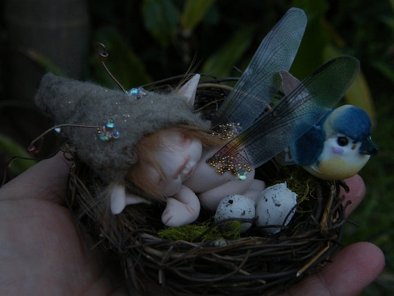 sweet tiny ooak full sculpt 2 .5 inch fairy fairie bug in nest with bird