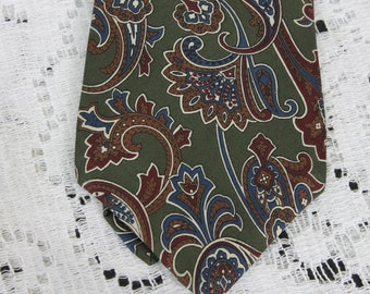 Vintage Mens Halston Italian Silk Paisley Tie