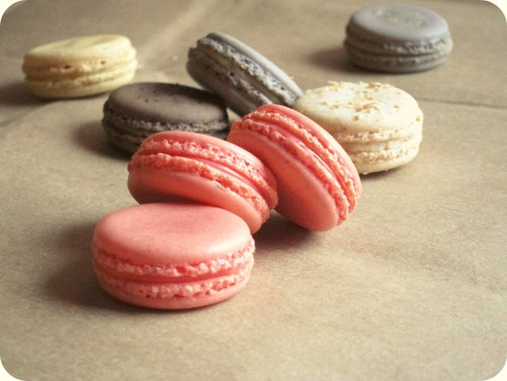 Strawberry French Macarons -  Sweet Sarah - Christmas, Holidays