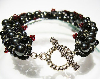 Simone - Hematite, Black and Grey Pearl Beaded Bracelet