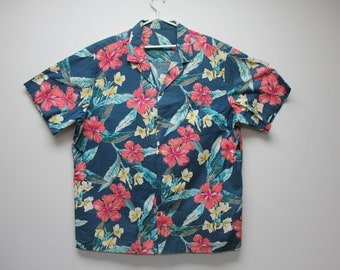 Vintage Shirts American Vintage Made in USA Gifts for Him Blue Red Shirt Floral Shirt Gift for Him Vintage Menswear Holiday retro shirt pink