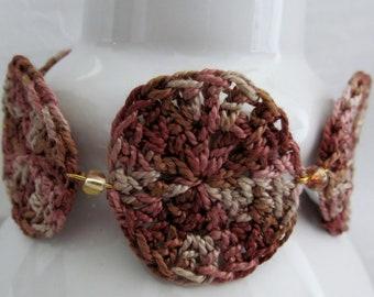 Dots and circles crochet bracelet