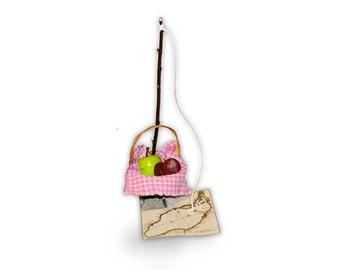 "18"" American Girl Doll Caroline Abbott sized Travel Fishing Basket with Fishing Pole, Map of Lake Ontario, Apple, Cookies"