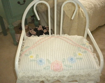 SALE.....Oh So Shabby Chic Vanity Bench,Shabby chic,French,Baby's Room,Nursery,Cottage,Cottage Chic