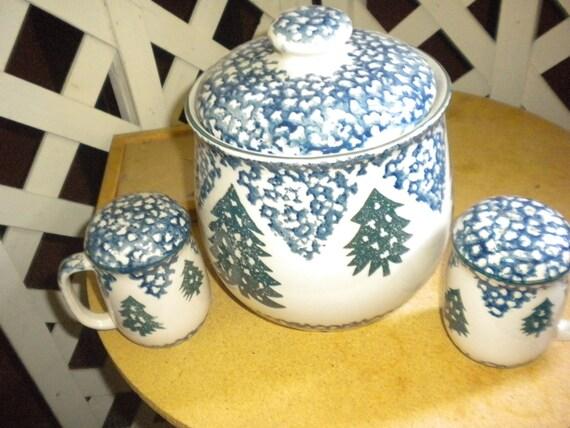 SALE...Vintage Spongeware Cookie Jar and Salt and Pepper Shakers,Primitive,Eclectic,Country,Kitchen Decor,spatterware,spongeware
