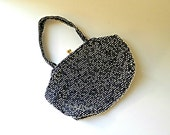60's BEADED EVENING PURSE - Lumured Caviar Beadette / Navy Blue and White / Kiss Clasp / Mid Century / Excellent Condition