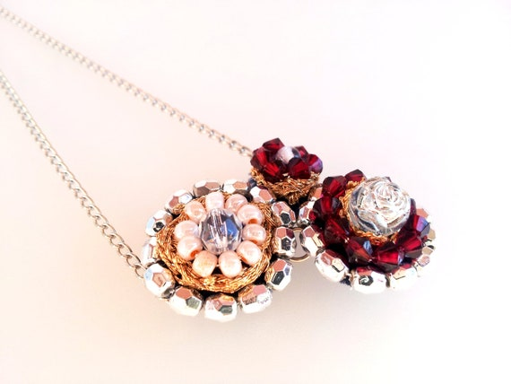 bib round flowers valentine necklace by iluztro