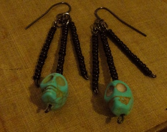 Turquoise Skull and Black Beaded Dangly Earrings - Día de Muertos
