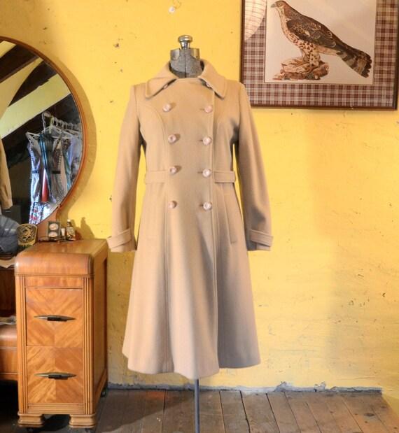 50s / 60s Elegant Camel Wool Spring Coat Petal Pink Buttons S-M