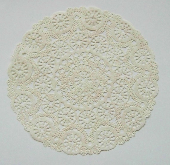 TEN dip dyed IVORY Paper Doilies, 10 inch, Medallion Style