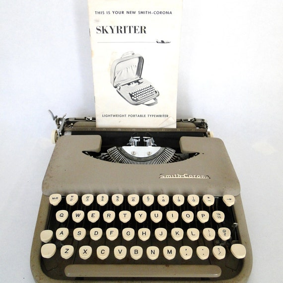 Vintage Typewriter Smith Corona Skyriter Portable 1950s Must Have Original Business Coach Retro Mid Century Eclectic Home Accessory