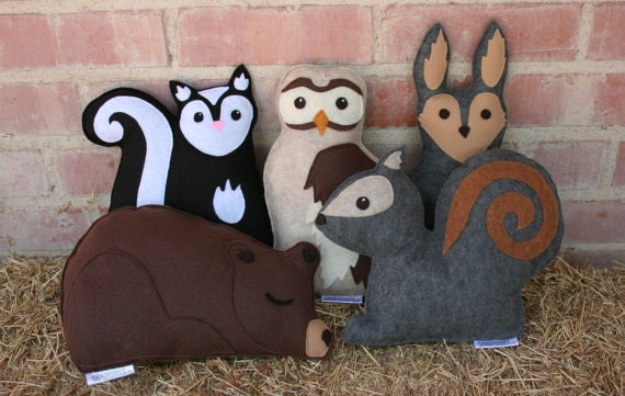 Eco Friendly Woodland Personalized Forest Critter with Initial Heart- Fox- Raccoon- Bear- Rabbit- Fawn- Wolf- Skunk-Owl- Squirrel