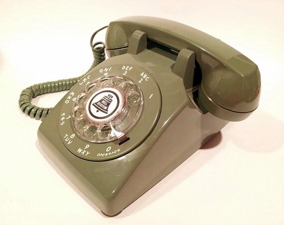 WORKING-  Green Rotary Phone Telephone