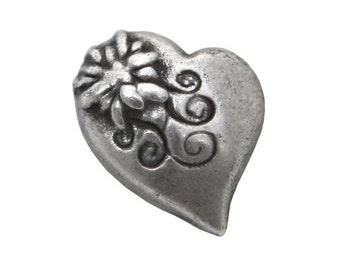 12 Alpine Heart 5/8 inch ( 16 mm ) Metal Buttons Antique Silver Color
