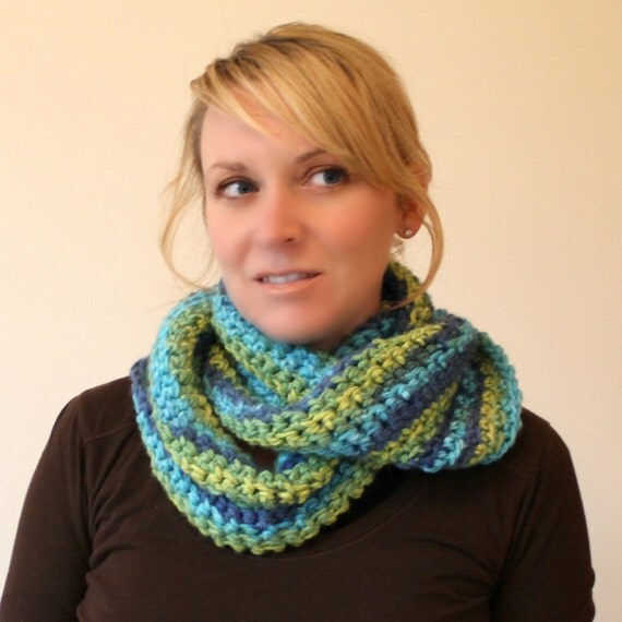 Handmade Crochet Eternity Circle Scarf -Moebius -  READY TO SHIP - Gorgeous Colors - Infinity Scarf - Christmas Gift