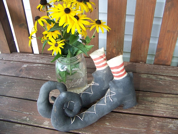 Primitive Grungy Fabric Pair Of Witch's Boots Shelf Sitters Autumn Halloween Decor