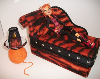 Furniture for Monster High Dolls Handmade Chaise Lounge Bed for Toralei Stripe with Bolster Pillow Yarn Ball Table and Working Lamp