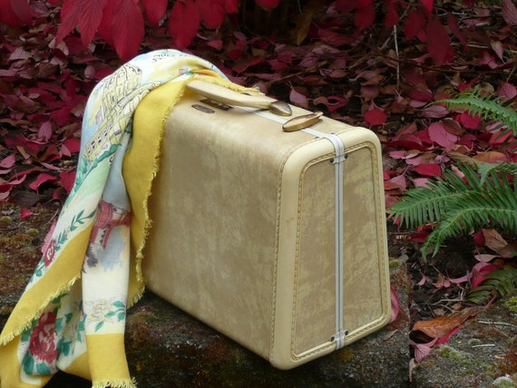 Vintage SMALL Tan Marbled Samsonite Luggage Rectangular Suitcase - Vintage Travel Trailer and Home Decor