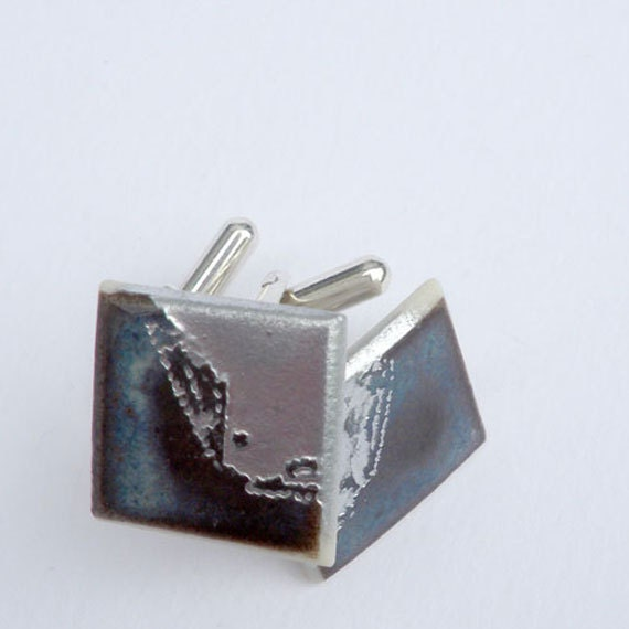 Porcelain  and Sterling Silver Cuff links, glazed with a 'split' design.
