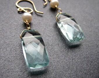 Ivory freshwater pearl, aquamarine crystal earring Victorian 31