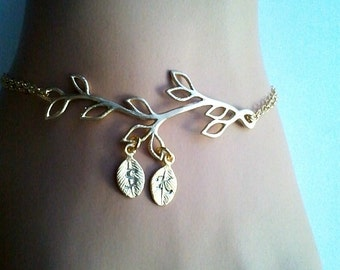 SALE! Family Tree Bracelet with initials, Mother, Infinity bracelet, Tree of Life, Sister, Friendship,Family, Best friend Gift