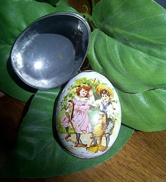 Vintage IAN LOGAN Design SWISS Made Tin Easter Egg