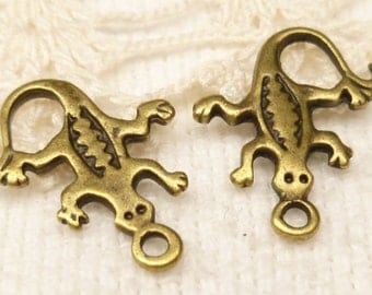 Southwestern Style Lizard Charms, Antique Bronze (8) - A101