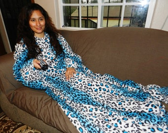 Turquoise Cheetah Print Snuggie, Fleece with Sleeves