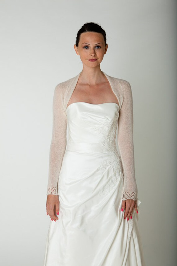 bridal shrug for your wedding dress with lace sleeve knitted for the