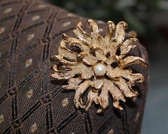 Vintage Sunburst Single Pearl Brooch