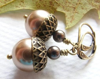 Antique Brass Acorn Earrings with Bronze Swarovski Pearls on Leverbacks. Vintage Style. Fall. Autumn. Brown. Earthy.