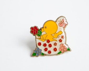 Vintage cute chick pin