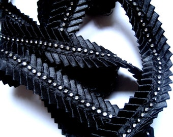 "Rhinestone Pleated Ribbon Trim, Black, 1"" inch wide, 1 Yard, For Home Decor, Accessories, Mixed Media, Apparel"