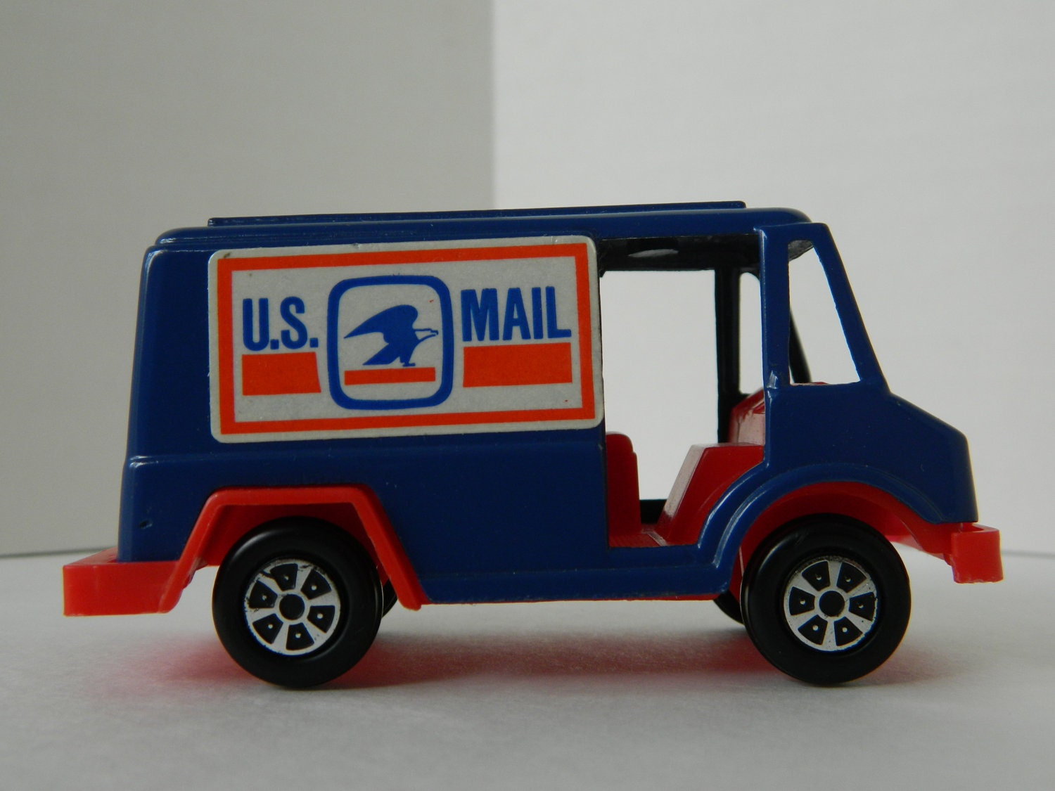 Vintage Tootsie Toy Us Mail Truck Die likewise Watch additionally 321115876812 in addition 222240054344 in addition 391442874391. on tootsie toy cars and trucks