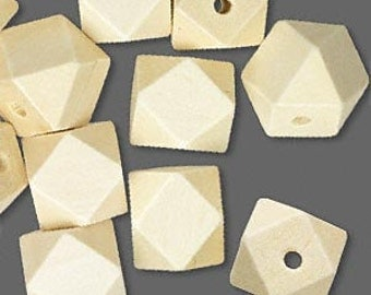 10 Wood Beads in White - Cube - Faceted - 20mm
