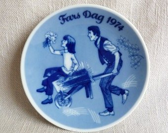 Porsgrund Plate - Father's Day 1974 - Blue Decorative Father Child Girl Flowers Plate- Made in Norway
