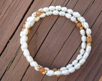 Vintage Pearl Bracelet.  Real Cultured Pearls, Triple String, Flexible