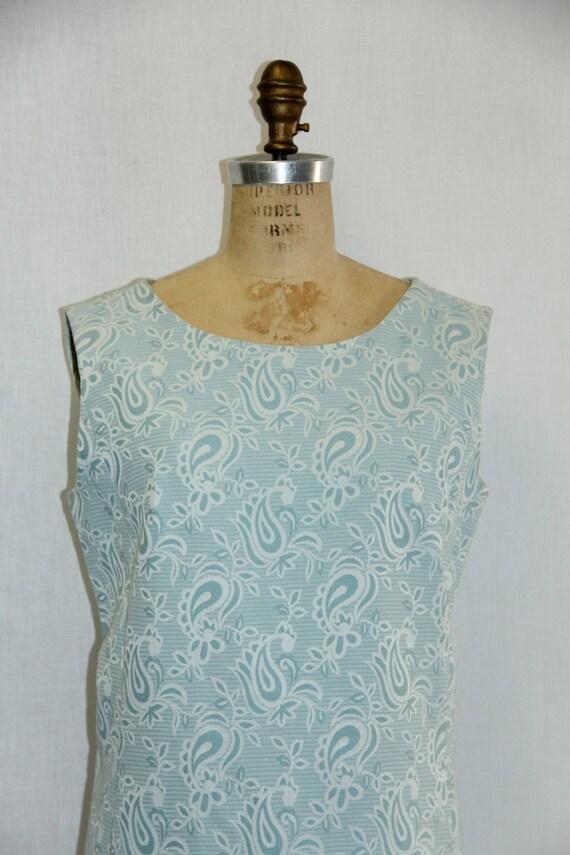 Large Vintage Dress 1960s Sleeveless Paisley Blue and White