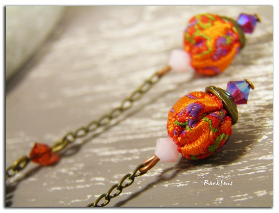 Earrings in orange textile and mauve crystal-Earrings with bronze metal and mauve glass beads-