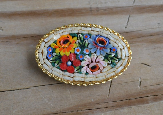 Cheerful 50s vintage Victorian revival Italian micromosaic (micro mosaic) flower bouquet brooch / pin with gold tone frame