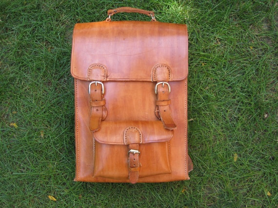 The V leather backpack